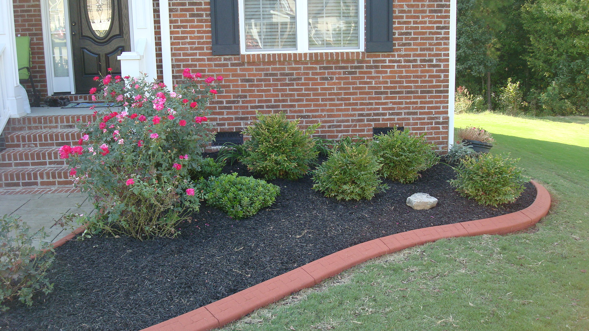 Concrete landscape edging borders pictures to pin on for Garden edging
