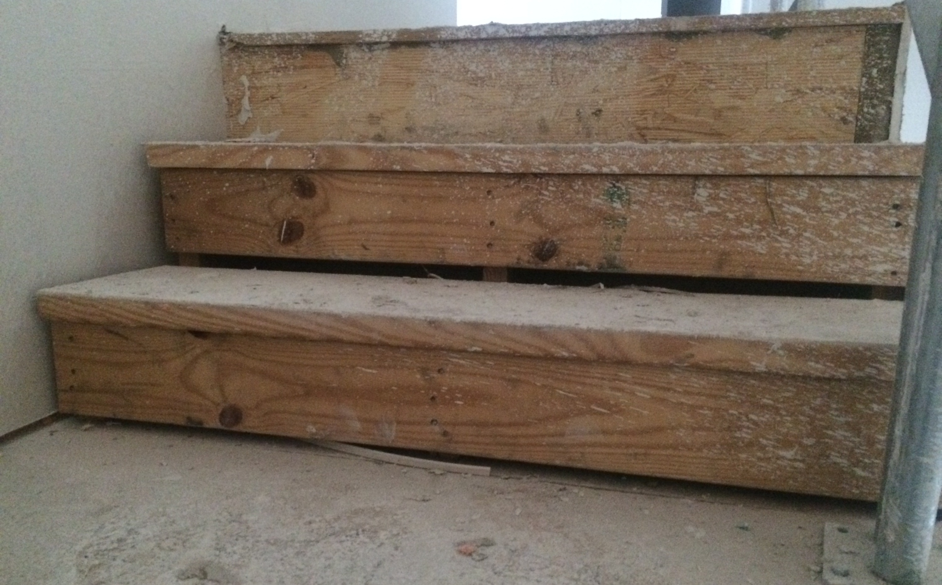 Need Help   Gap Between Treads And Risers (between Steps) Gap_in_treads_and_risers_post1  ...