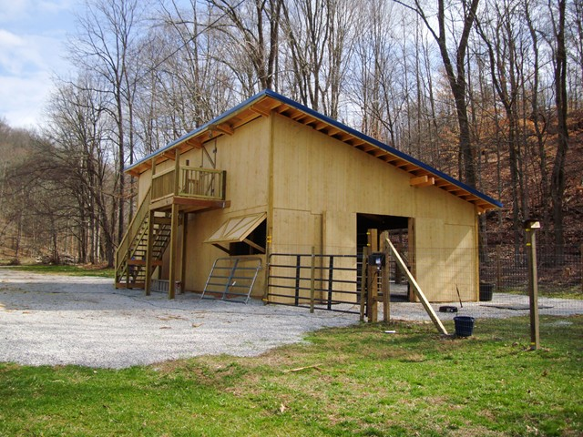 How much does it cost to build a barn pole barn for Building a barn to live in