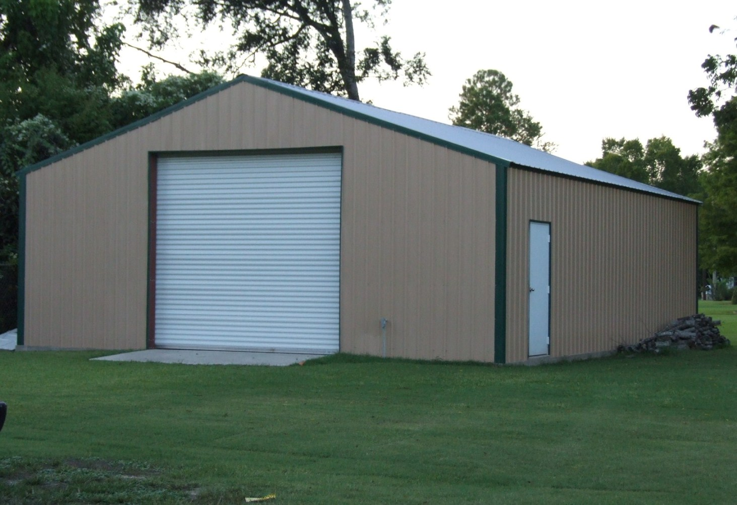 Metal buildings into homes san antonio new braunfels for How to build a metal building home