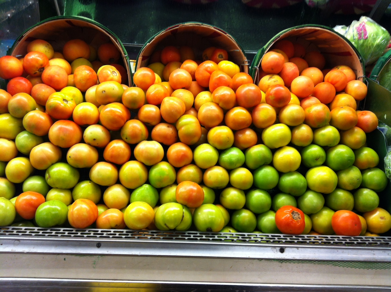 How Much Food Do Grocery Stores Throw Away