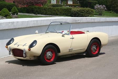 What car is this? (sedan, sports car, Bentley, headlights ...