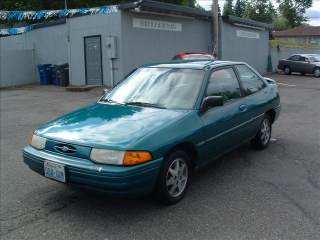 I like the Ford Escort blues from the u002790s : 90s ford cars - markmcfarlin.com
