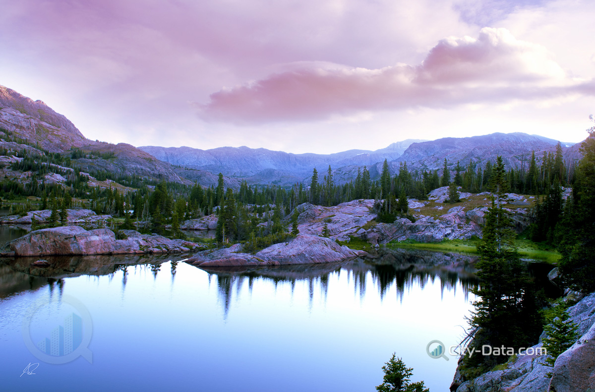 Mormon Lake Az >> Sunrise over a high mountain lake in wyoming