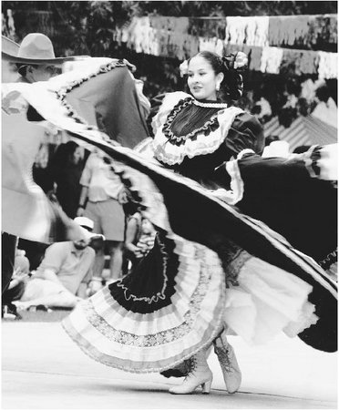 Las Cruces celebrates its Hispanic culture through events such as the Cinco de Mayo Festival and Folklorico de la Tierra del Encanto.
