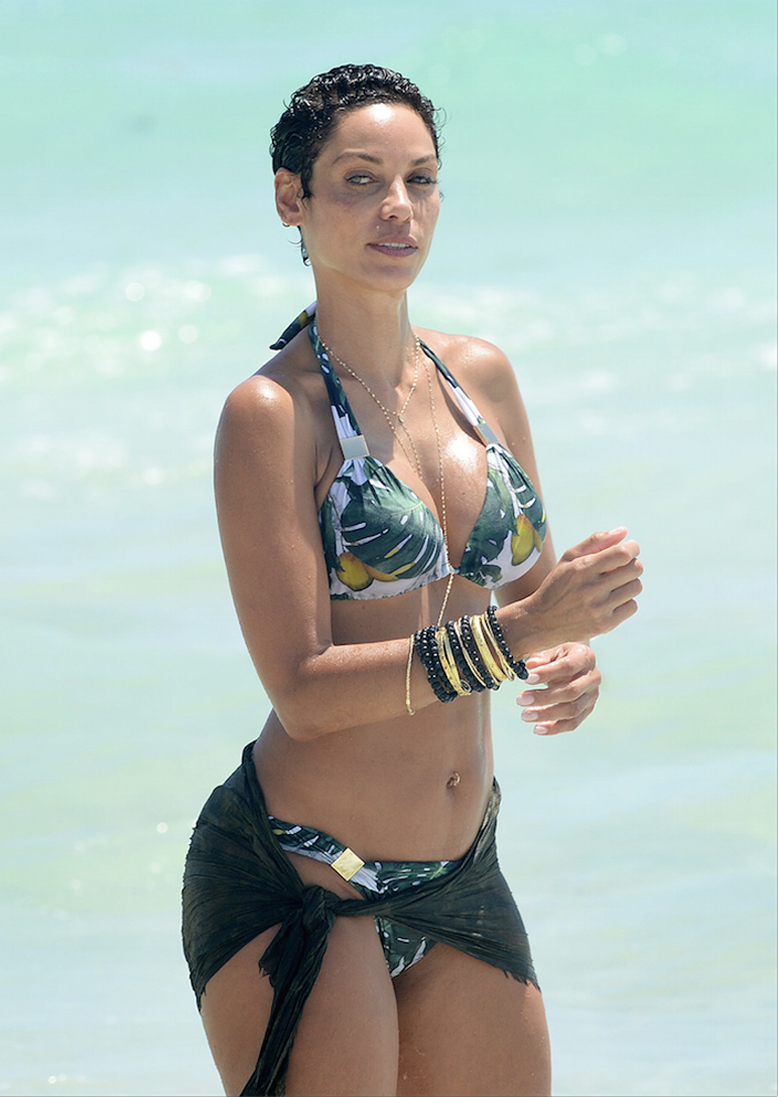 Older women with nice bodies