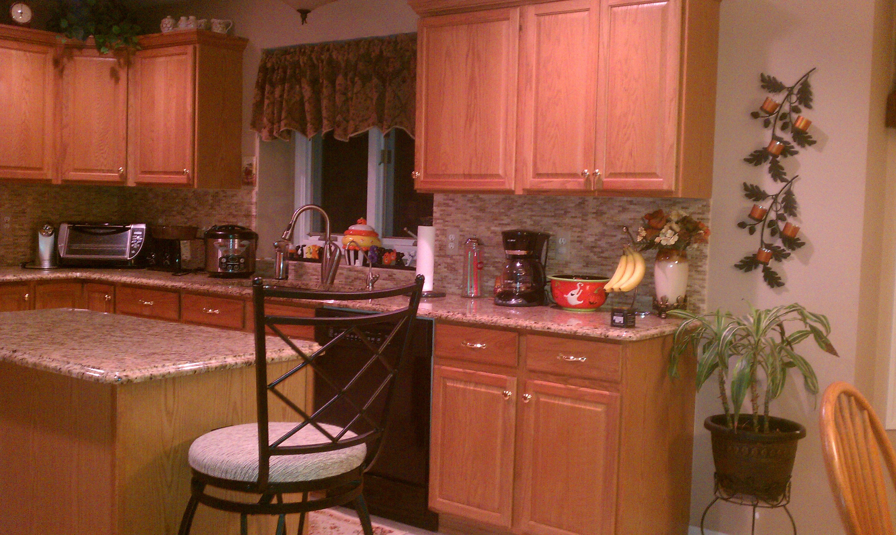 Does Dining Table And Kitchen Cabinets Have To Match Imag1171 Jpg