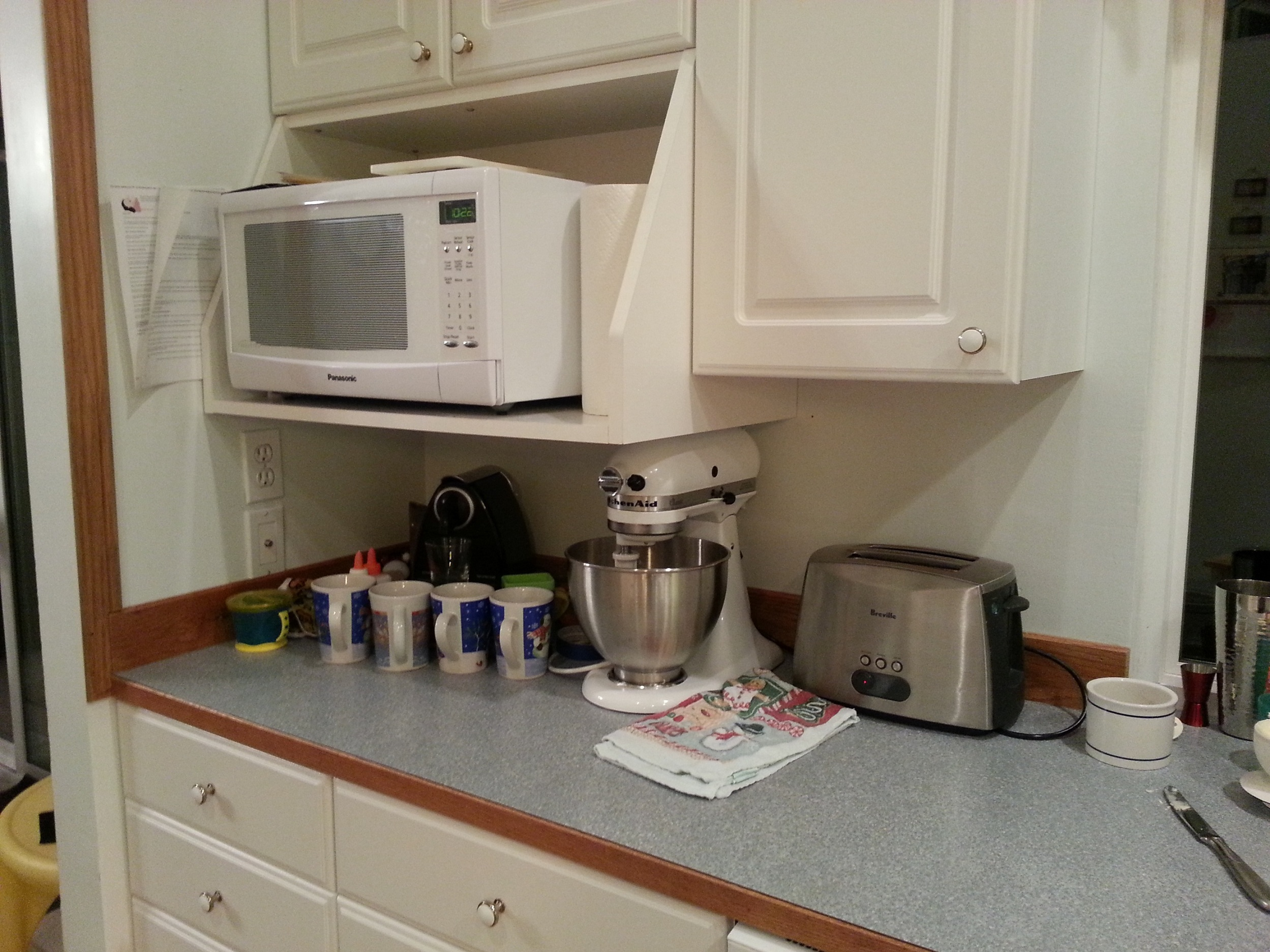 Help me with kitchen backsplash, color, and countertop ...