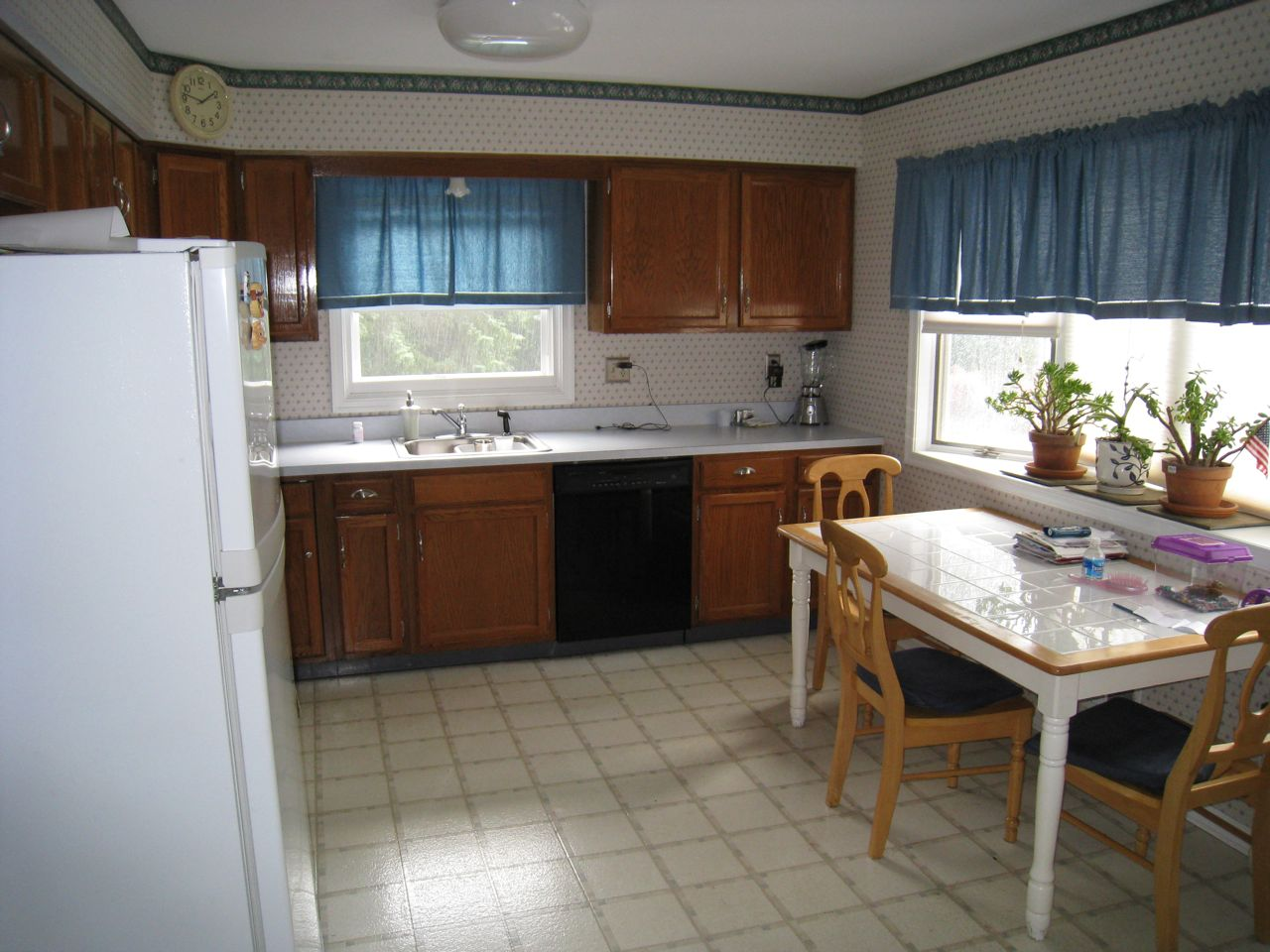 New Home-How to Spruce up dated kitchen? (laminate, floor ...