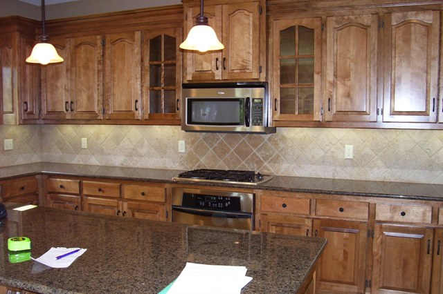 Granite color for medium wood cabinet (flooring, tile ... on What Color Granite Goes With Maple Cabinets  id=18420