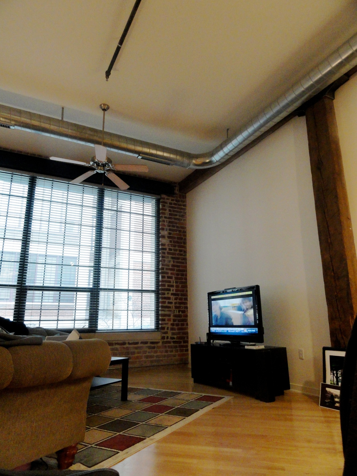 New Urban Loft Apartment In Need Of Decorating Help Paint