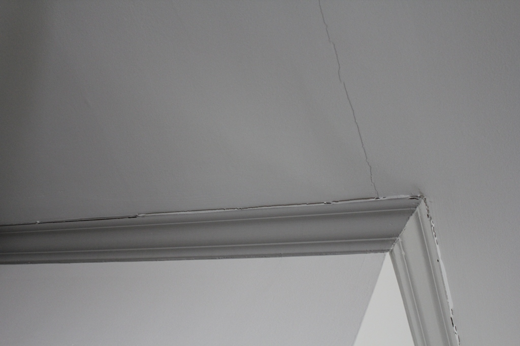 Crown Molding Separating From Ceiling Worried About Structure Cd3 Jpg