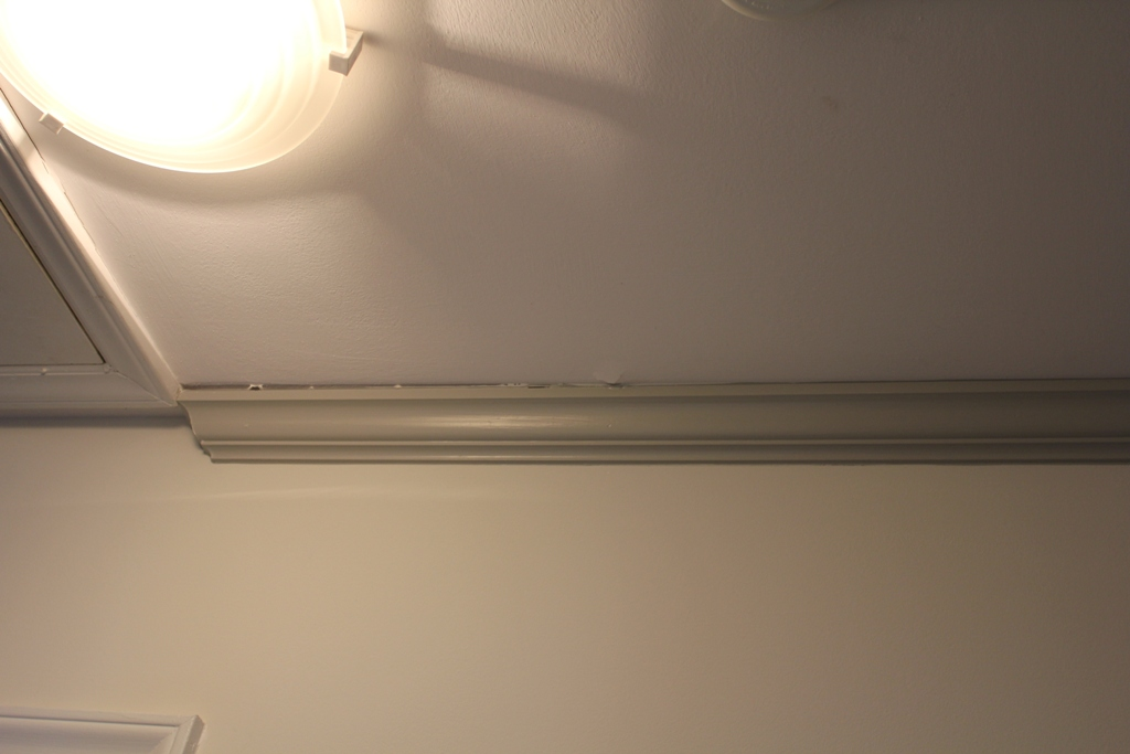 Crown Molding Separating From Ceiling Worried About Structure Cd4 Jpg