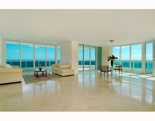 Situated On 250 Feet Of Sugar Sand Atlantic Beach Line Las Olas Club Is